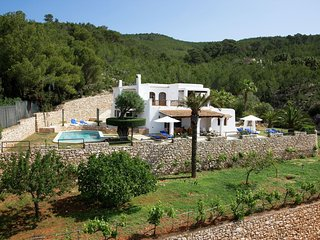 Can Felipe - A comfortable, well kept villa with beautiful views.