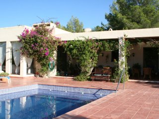 Casa Lourdes - A modern American style villa with an attractive interior and complete privacy., Port de San Miguel