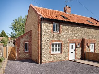 An ideally situated and stylishly decorated north norfolk holiday cottage