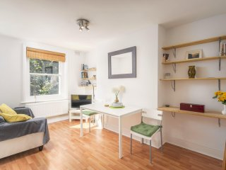 2 Bed Apartment - Greenwich