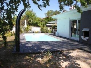 Villa avec piscine sur le lac de Biscarrosse