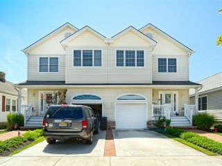 Beautiful 4 Bedroom 3.5 bath house in Wildwood Crest