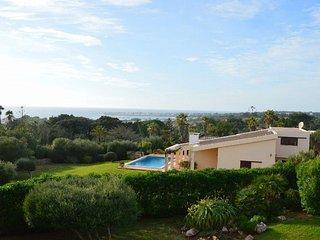 BINISAFULLER. Espectacular villa con piscina en Menorca