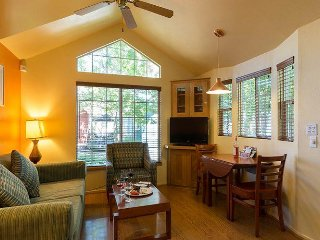 2 Comfy Cottages ON THE RIVER Downtown Napa  Sleeps 8
