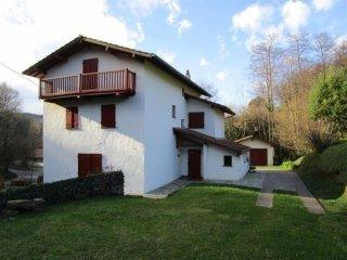 XAGARDIXAR- Belle maison basque à Biriatou