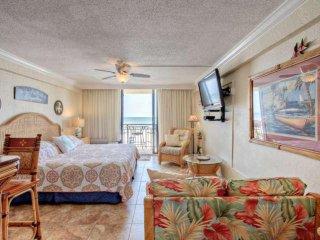 Your Ocean Front Tropical Studio Awaits At Hawaiian Inn Resort! Newly Remodeled, Daytona Beach Shores