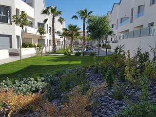 Torrevieja - Villa Amalia - 3 bedroom pool apartment. Close to center and beach.