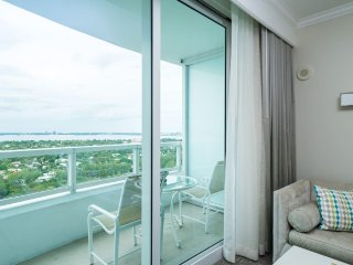 Miami Beach- Fontainebleau JR SUITE