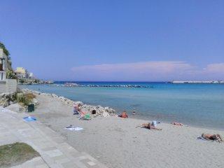 Bilocale centrale in Otranto 200m dal mare