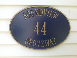 Soundview - Beach House - Private Patio and Beach Across the Street