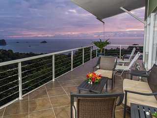 LUXURY Villa -Amazing Ocean Views, Pool, Penthouse HotTub, Private Chef INCLUDED