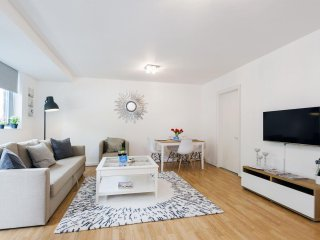 Sherborne Cromwell Court VII apartment in Kensington & Chelsea with WiFi & lift.