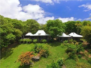 Hope House & Cottage - Bequia, Port Elizabeth
