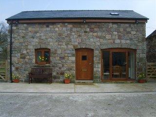 Beudy Bach Barn (BEUDY), Ystradgynlais