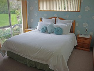 Fantail Lodge on Greenpark - Room 1