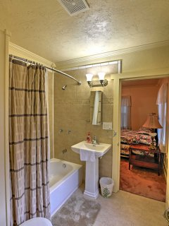 The full bathroom is conveniently located between each bedroom for easy access.