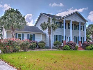 New! Private 4BR Wilmington Home w/Large Backyard!