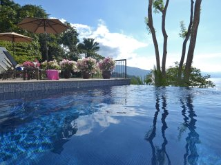 Magnificent Villa- Unequaled Luxury, Views, 24/7 Staff & Chef