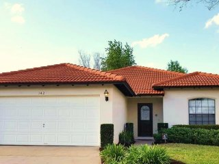 Disney Villa with Private Pool! ONLY 10 MINS TO DISNEY (8MILES), Clermont