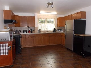 SilverWolf Vacation Rentals-2 bedroom Suite
