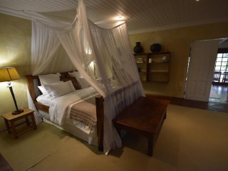 La Casa - Accommodation at Casalinga, Muldersdrift