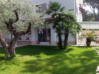 Enchanting Villa Ilaria near the beach :)