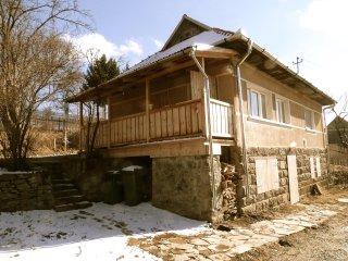 Sunny Creek Cottage