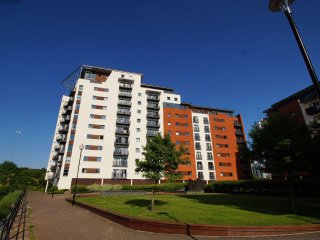Cardiff Bay Apartment  - 492058