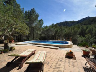 Can Mas,Beautiful rustic house outside Felanitx with mountains views pool & wifi