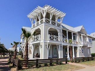 Oceanaire #135, Port Aransas