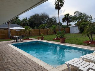Private Beach House w/pool, 4 houses from A1A!!!!!