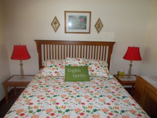 Queen Bed English Garden with Dresser and 2 Lamp Tables with Lamps Large Closet