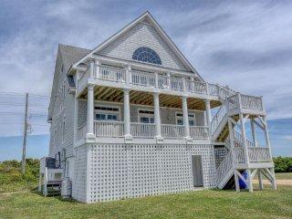 Island Drive 4294 Oceanfront-B Lot! | Internet, Community Pool, Hot Tub