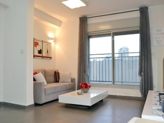 Brand New - Very central - 5min from the beach