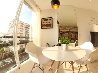 STUDIO VINTAGE ONLY 150 M TO THE BEACH IN BENALMADENA. FREE WIFI.