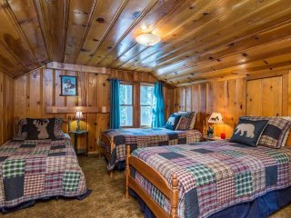 Regan Beach Cabin Retreat - Rooms 3 - 4