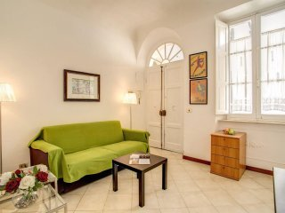 Colisseum Labicana apartment in Centro Storico with WiFi & lift.