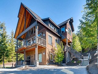 *NEW to VR365* Extraordinary Home w/ AMAZING VIEWS! Hot Tub, Game Rm, Cle Elum