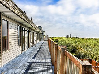 Ocean Shores Holiday Apartment 25400