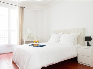 33. LUMINOUS 1BR FLAT IN THE 11TH - STEPS FROM BASTILLE