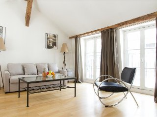 22. COSY 1BR IN SAINT GERMAIN DES PRES - NEAR THE SEINE