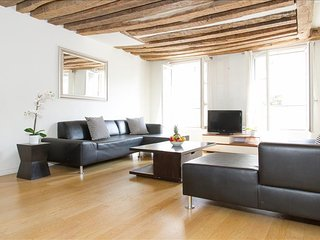 17. SPACIOUS 3BR TRIPLEX IN SAINT GERMAIN DES PRES - BEST LOCATION