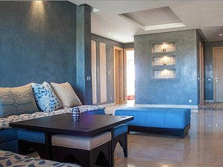 61. LOVELY MARRAKECH FLAT WITH GOLF COURSE AND POOL VIEW