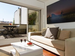 70. SPACIOUS 3BR MARAIS FLAT WITH PRIVATE TERRACE - NEAR CENTRE POMPIDOU