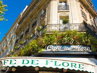 39. MOST BEAUTIFUL FLAT IN THE HEART OF SAINT GERMAIN DES PRES