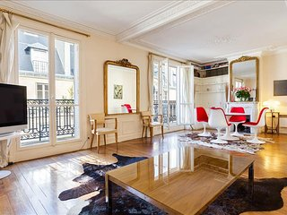 29. SPACIOUS 1BR IN LE MARAIS WITH PRIVATE BALCONY AND CENTRE POMPIDOU VIEW