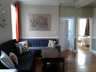 Large two bedrooms apartment close to Manhattan.