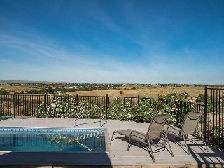 Hidden Acre Vineyard--Glorious Views and Privacy in Hilltop Vineyard Setting