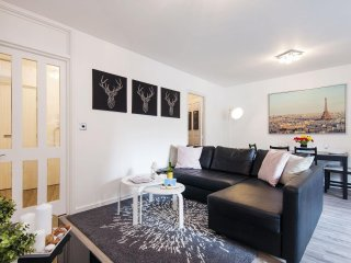 Sherborne Cromwell Court VI apartment in Kensington & Chelsea with WiFi & lift.