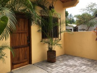 Casita Olita - Charming, San Pancho apartment just four blocks from the beach!